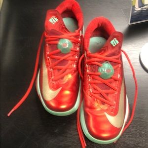 Nike KD V1 limited edition Christmas size 9